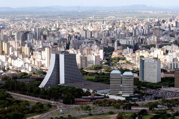 Porto Alegre ocupação de leitos evidencia momento de atenção no combate à COVID-19