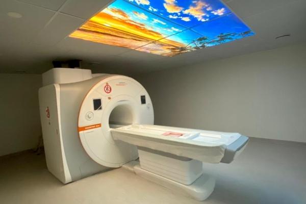 Novos equipamentos de ressonância devem ampliar atendimento e reduzir tempo de exames pela metade