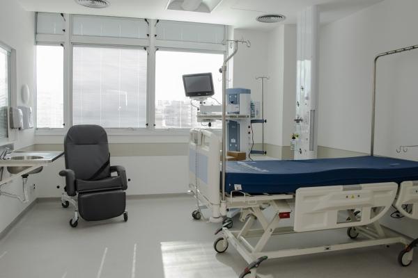 Hospital de Clínicas de Porto Aelgre conclui entrega de 105leitoscríticosde atendimento à Covid-19