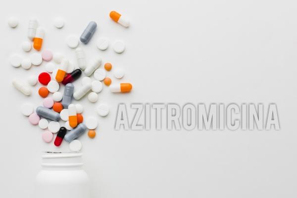Azitromicina não melhora a evolução clínica de pacientes com Covid-19 em estado grave