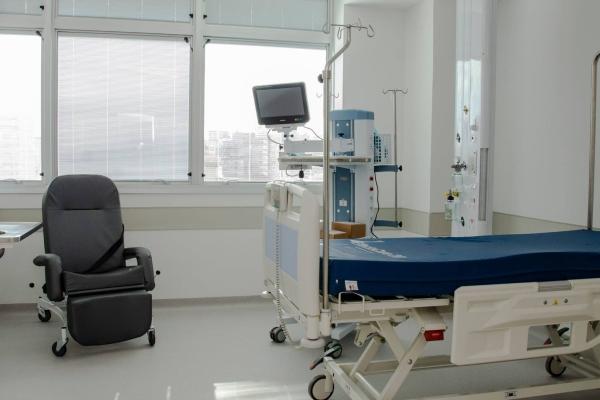 Hospital de Clínicas de Porto Alegre dá sequência ao retorno gradual de atividades com fechamento de leitos Covid