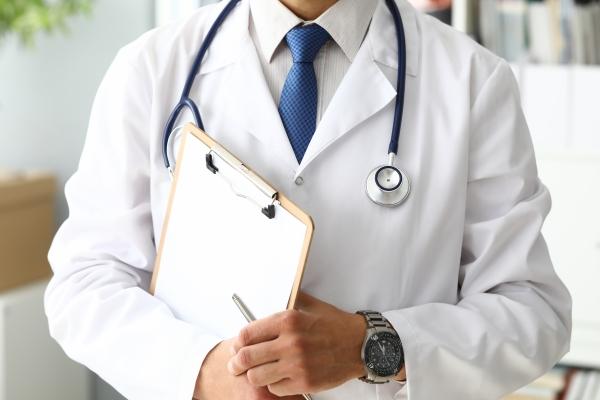 Homens passam boa parte da vida sem ir ao urologista e risco de câncer de próstata aumenta