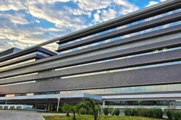 Hospital de Clínicas de Porto Alegre abre processo seletivo com vagas de nível médio e superior