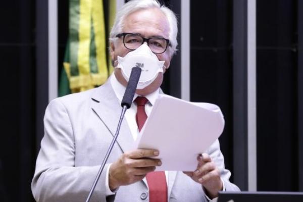 Câmara dos Deputados aprova Medida Provisória que autoriza estados e municípios a comprarem vacinas
