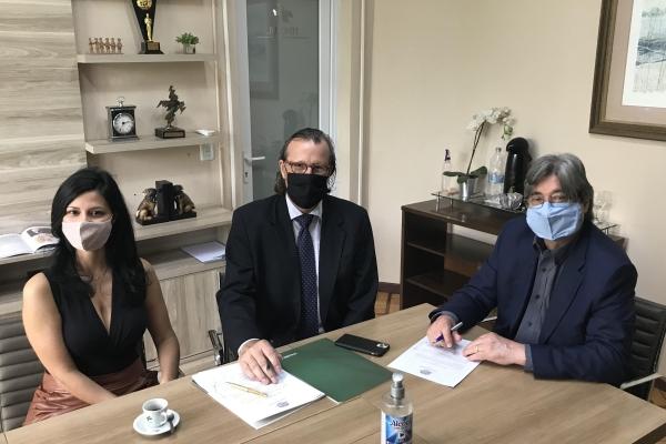 FEHOSUL eAssociação Latinoamericana de Direito Médicofirmam parceria