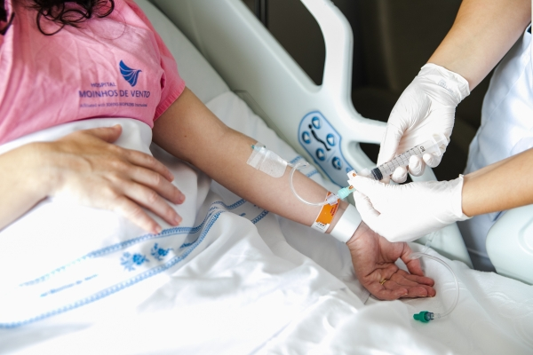 Hospital Moinhos de Vento abre 60 vagas para contratação de profissionais da área de enfermagem