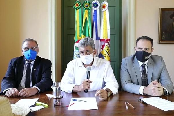 Prefeito Sebastião Melo pede que hospitais abram todos os leitos possíveis