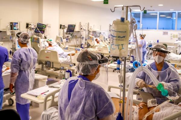 Porto Alegre chega a 107% de ocupação de leitos UTI, com 703 pacientes internados