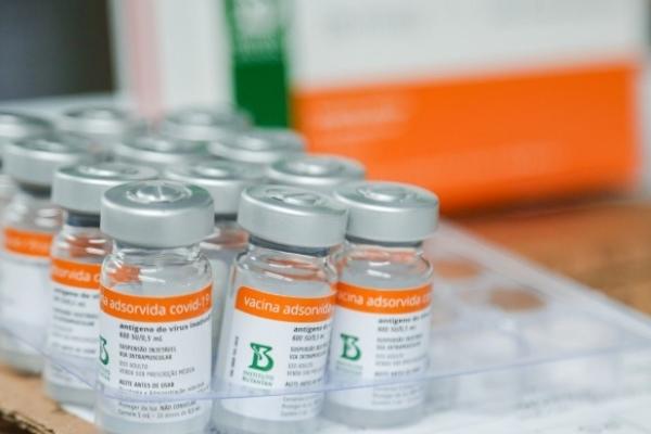 RS começa a vacinar parte da população com 69 anos, todos entre 70 e 72 anos, além de quilombolas