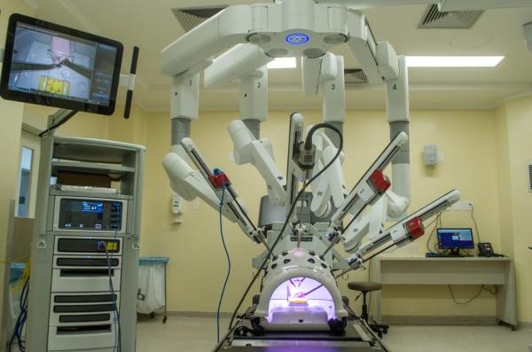 Santa Casa de Porto Alegre lança curso básico de cirurgia robótica