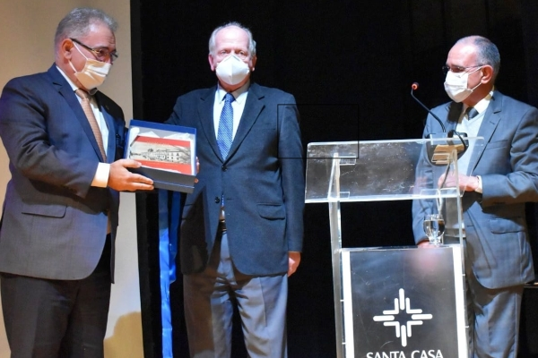 Santa Casa de Porto Alegre apresenta projetos a ministro da Saúde