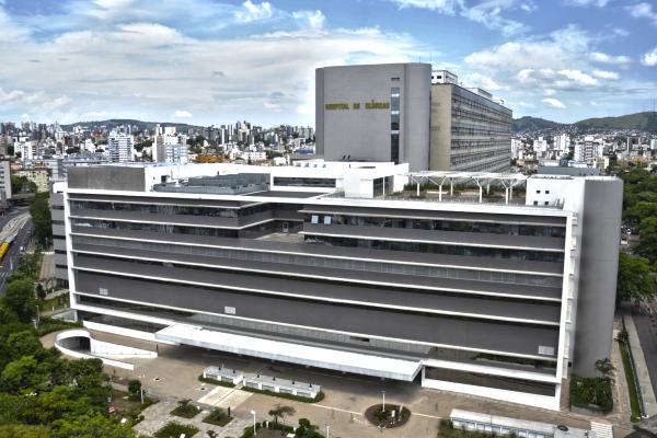 Lojas Renner doa R$ 440 mil em equipamentos para ações pós-Covid no HCPA